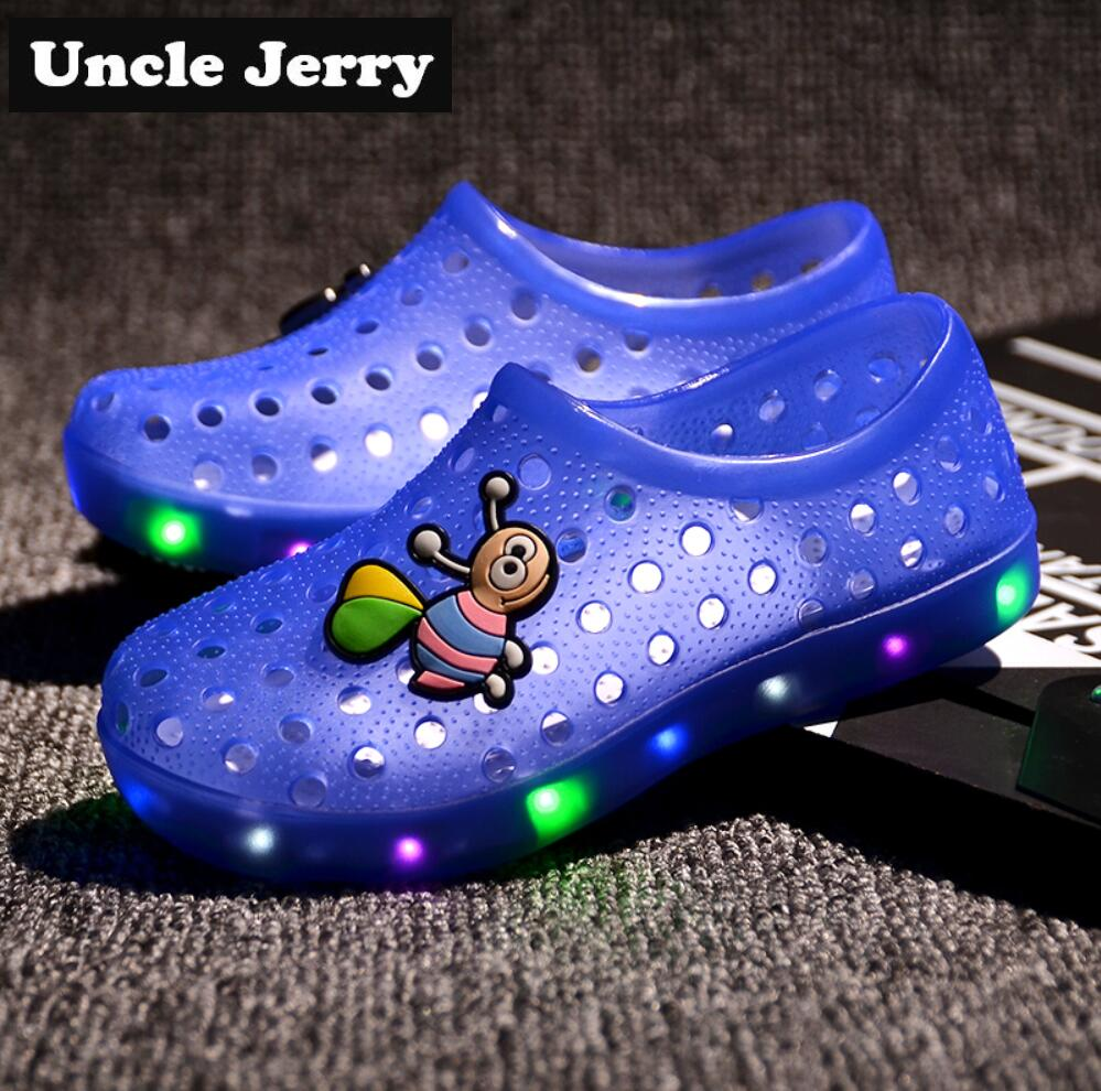 Children's Shoes Unclejerry Little Children Flashing Sandals Summer Kids Fashion Shoes Glowing Slippers For Boys Girls Non-slip Beach Sandal Spare No Cost At Any Cost