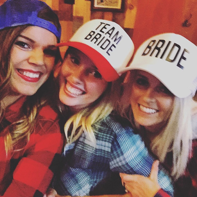 BRIDE TO BE TEAM BRIDE Bachelorette Hats Women Wedding Preparewear Trucker Caps White Neon Summer Mesh Free Shipping заколка to be bride