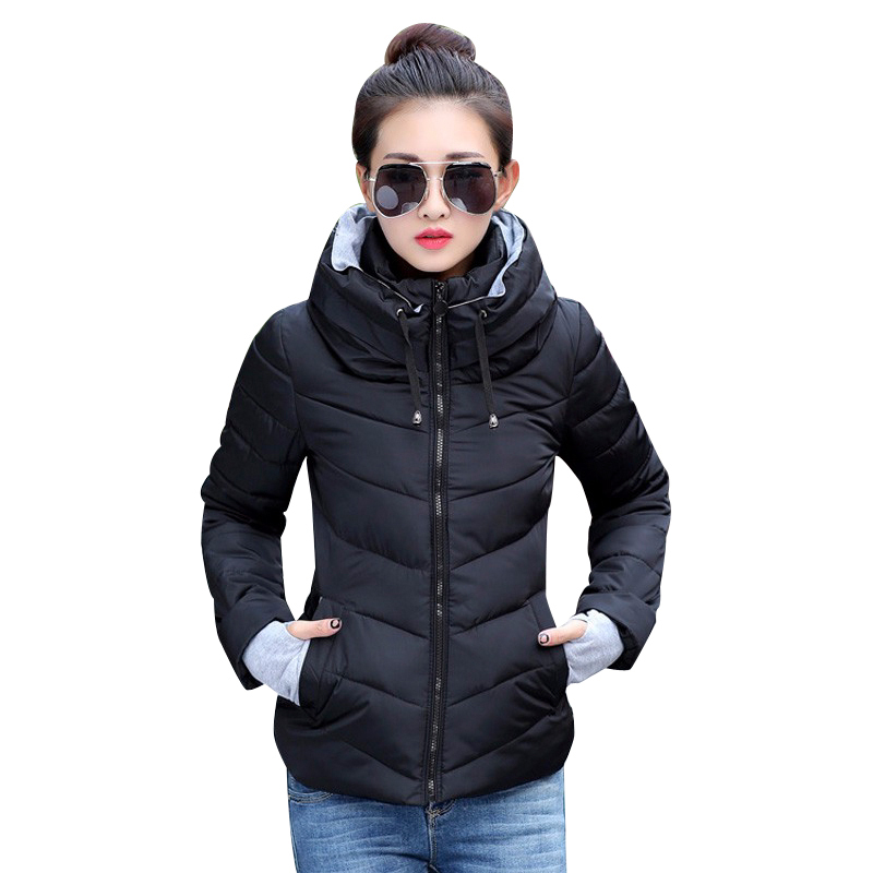2019 Vinterjakke kvinner Plus Size Womens Parkas Thicken Outerwear Solid Hooded Coats Kort Kvinne Slim Bomull Polstret Basic Topper