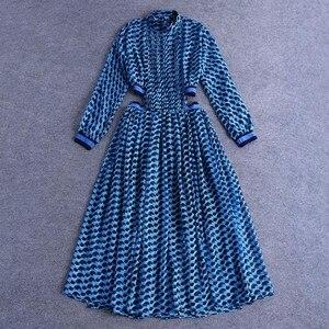 Image 2 - TWOTWINSTYLE patchworkowa sukienka dla kobiet etui i stojak z nadrukiem kołnierz tunika wysokiej talii zmarszczony, długi suknie 2020 wiosna eleganckie ubrania