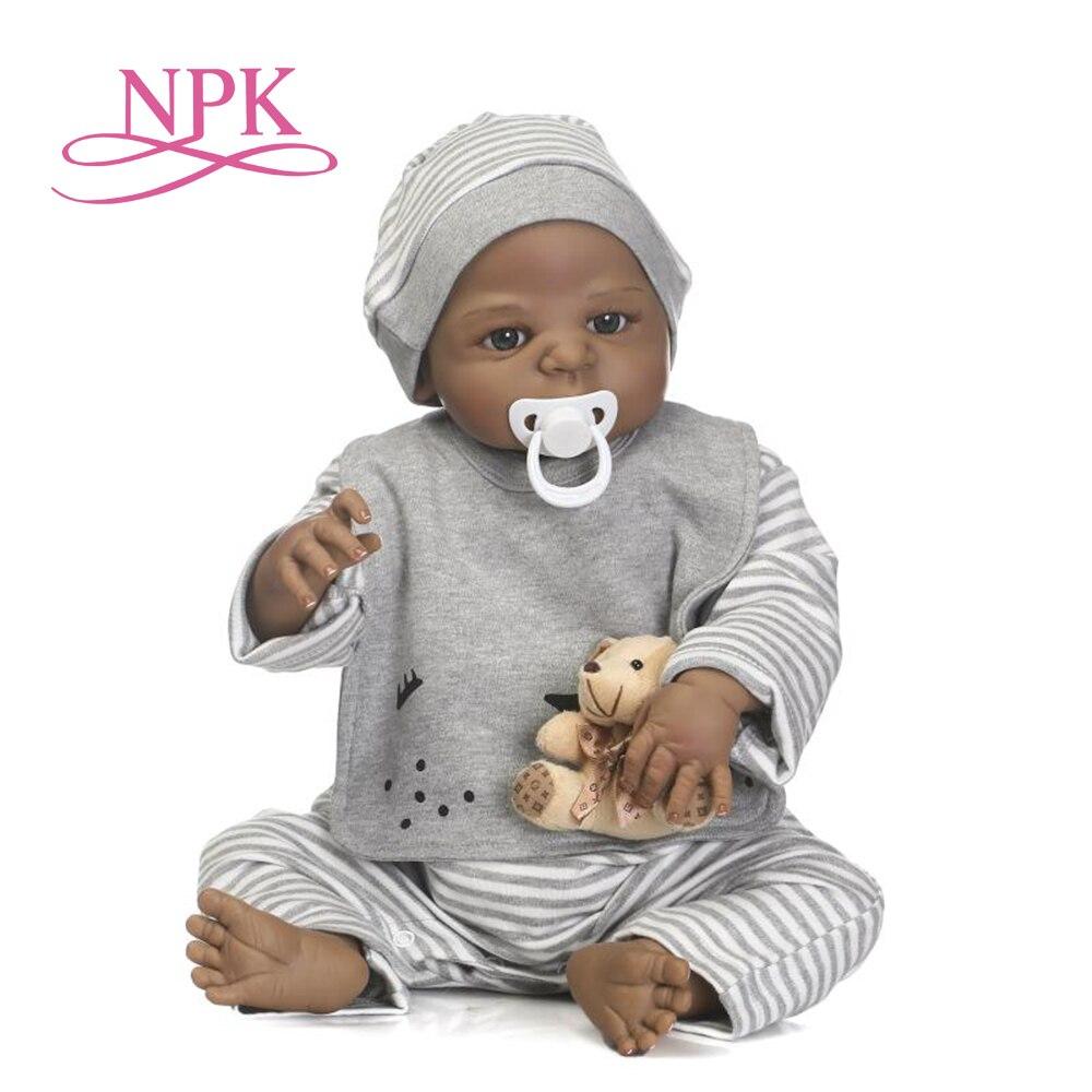 NPK 57 cm neue ankunft schwarz haut simulation neugeborenen mit gemalt beste kind geschenk vollen silikon reborn baby puppen