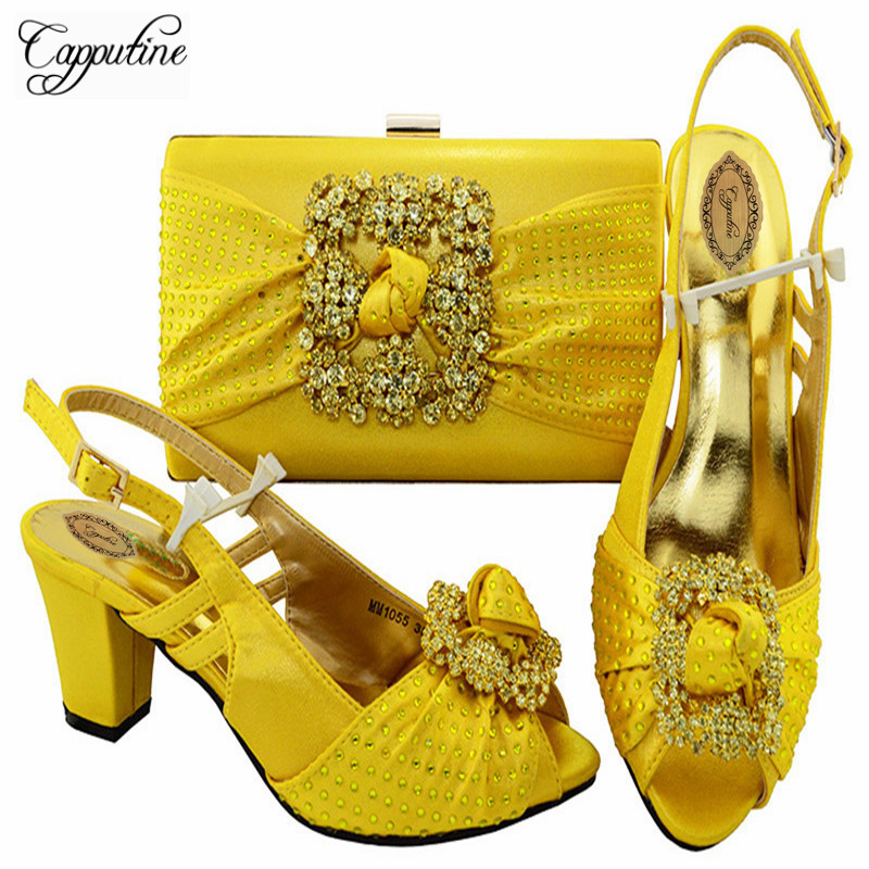 Фотография Capputine Hih Quality Italian Style Shoes And Bags New Nigerian Rhinestones Middle Heels Shoes And Bags Set For Party M10552