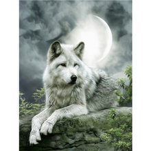 Mosaic 5D DIY Diamond Painting Moonlight Wolf Home Decoration Full Diamond Embroidery Classic Style Round Rhinestone Painting