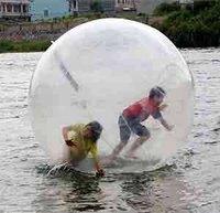Надувной шарик воды