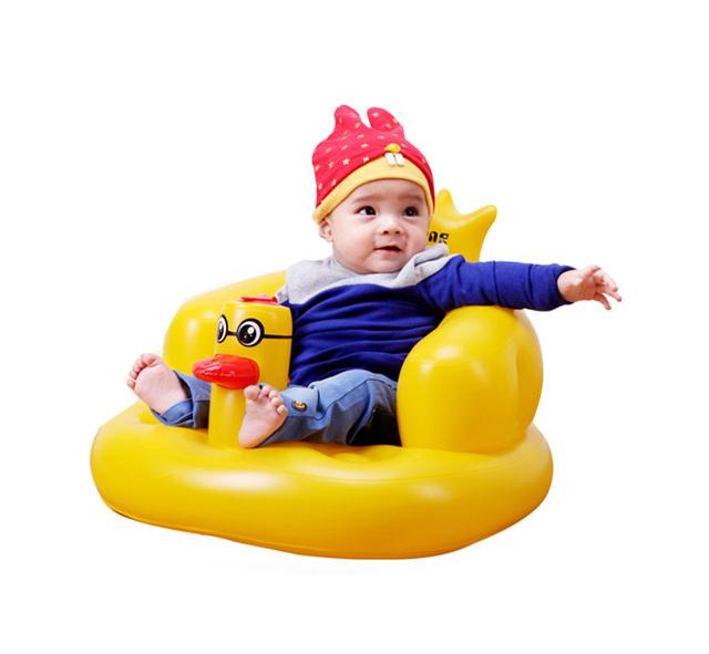 2017 New cadeira do sofá pequeno bonito do pato do bebê Inflável banho do bebê brinquedos Do Bebê Crianças bebê animais viagem portátil cadeira fezes