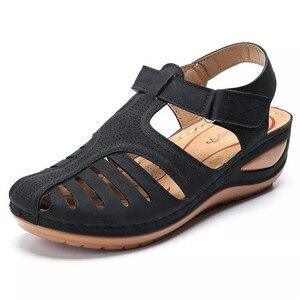 Image 2 - BEYARNESummer kobiety panie dziewczyny wygodne wypoczynek kostki HollowRoundToe sandały miękkie podeszwy buty sandalias de verano para mujer