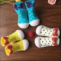 2016 nova moda bebê Attipas ponto meias de criança sapatos sapatos de desporto crianças sapatos da criança macio sola sapatos bebe menina