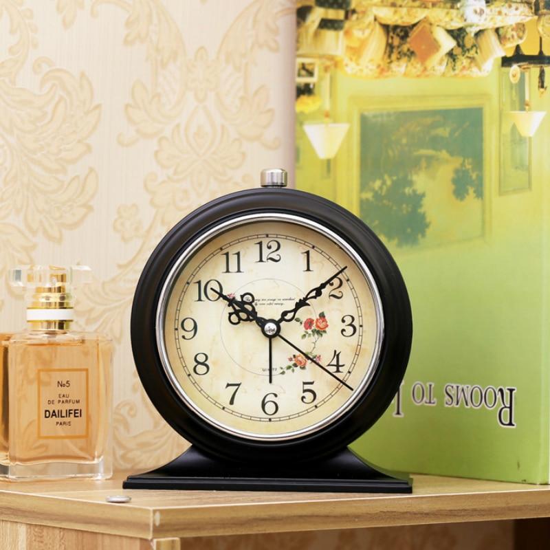 #a quiet Originality jow alarm clock Simple circular Bedroom Desk Table Clock Living Room Decoration Candy gift