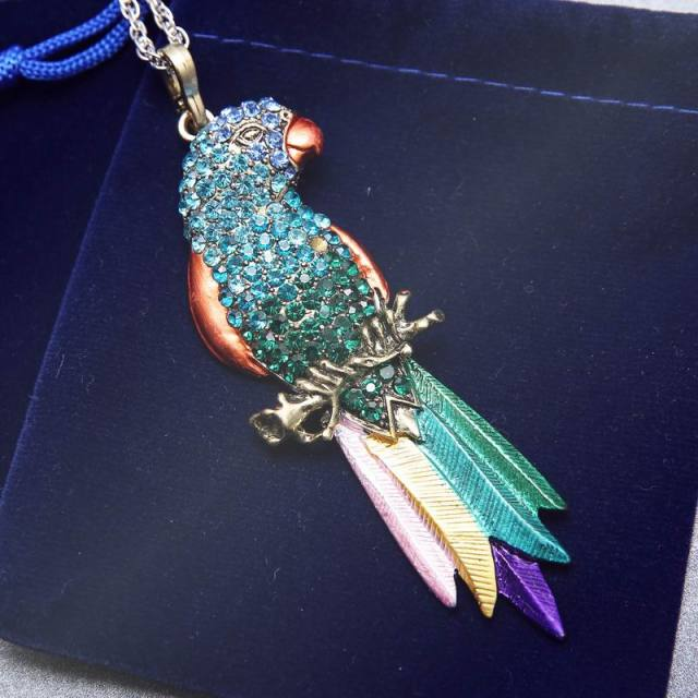 Vintage Long Jewelry Fashion Sweater Necklace 2017 Bird Exquisite Colourful Enamel Crystal Animal Parrot Pendant Necklaces Women