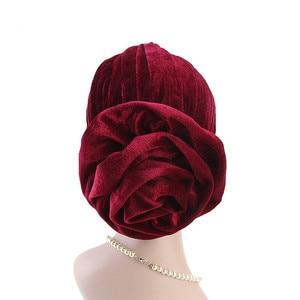 Image 3 - Helisopus Nuovo Modo di Velluto Cappello Turbante Delle Donne Elegante Musulmano Cappello Elastico di Modo di Perdita di Capelli Femminile Cap Chemio Cap Accessori per Capelli