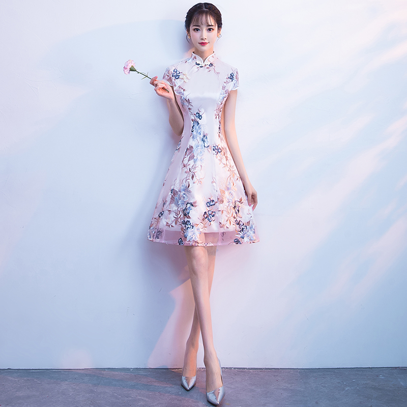 2020 Women Lace Cheongsam Bride Short Sleeve Qipao Chinese Oriental Princess Flower Embroidery Evening Sexy Chinese Dress