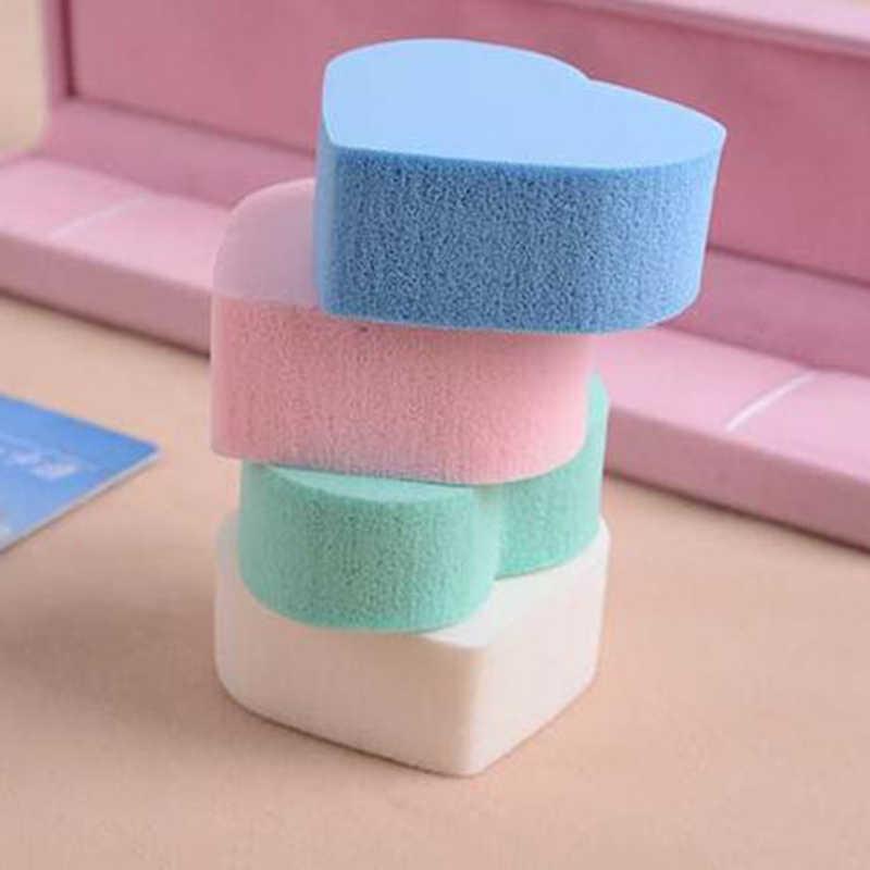 4 colori Mini a Forma di Cuore di Trucco Puff e Spugnette Cosmetiche Set Prodotti di base di Base BB Cream Concealer Fard In Polvere Soffio Set