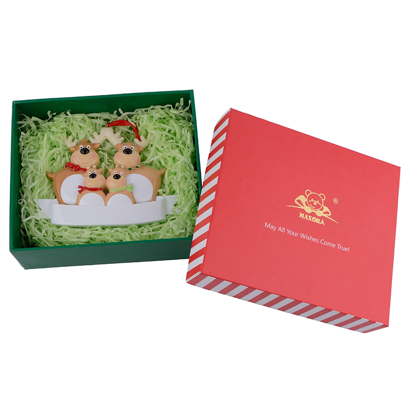 Ornament with gift box (4)