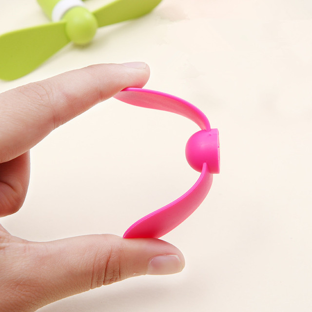 2-in-1 Mini Cell Phone Fan for iPhone/iPad and Android 6