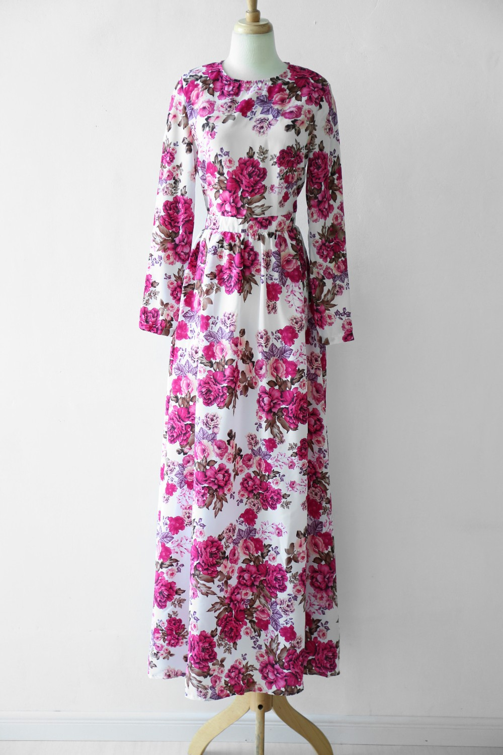 11458182ecc New Summer Women Maxi Dress Long Sleeve O neck Red Vintage Flower Print  Party Long Dress Casual vestido longo Large size-in Dresses from Women s  Clothing on ...