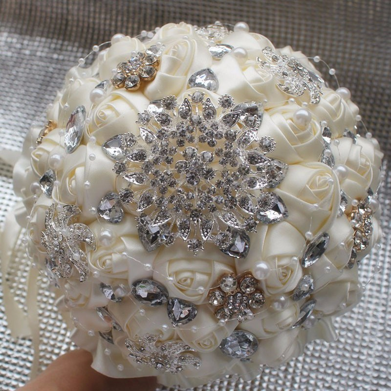 Best-Selling-Price-Ivory-Cream-Brooch-Bouquet-Wedding-Bouquet-de-mariage-Polyester-Wedding-Bouquets-Pearl-Flowers (3)
