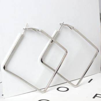 Gusi Hayat A Wholesale Distribution 1 Pair Of Large Square Smooth Smooth Large Earrings Pure Square Earrings Charming Brincos image