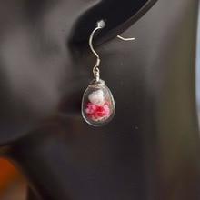 A Pair Babysbreath Real Flower Teardrop 925 Sterling Silver Drop Earrings For Women Vintage Fashion Jewelry Korean Bohemian Cute pair of delicate flower decorated black teardrop pendant earrings for women