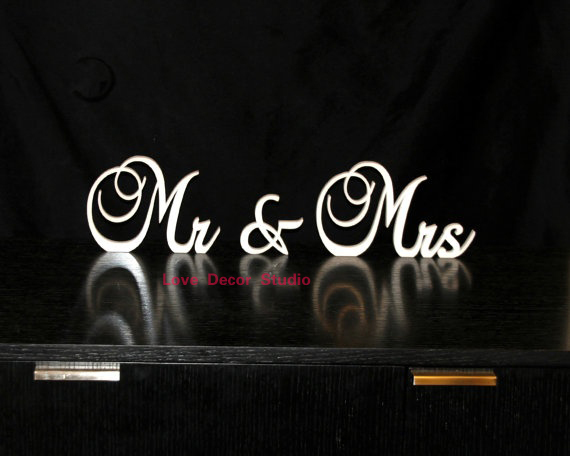 free shipping The gift to the wedding Mr & Mrs Signs wedding ...