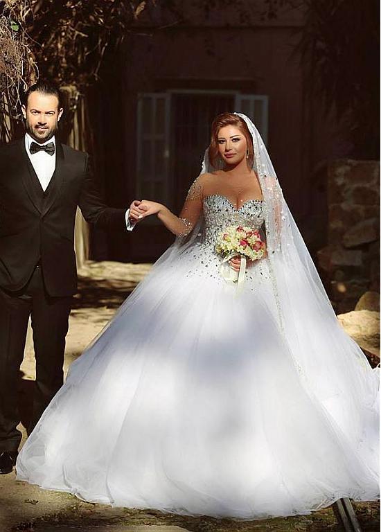 Mode nouvelles robes de mariée hot style robe de bal filet et perlé Train couleur blanche robe de mariée WD5