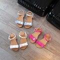 2017 sandálias criança verão princesa criança sapatos de desporto meninas pequenas sandálias arco sapatos de couro do bebê tênis de marca plana
