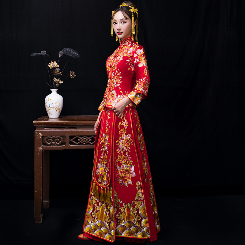 High Quality Embroidery Dresses Female Traditional Chinese Dress Women Long Cheongsam Qipao For Wedding Oriental Robe
