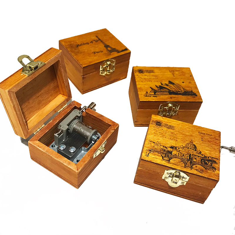 1pcs Random Retro Music Box Gift Toy Classical Wooden Handcraft Cranked Educational Toy Kids Music Teaching Tool Supplies