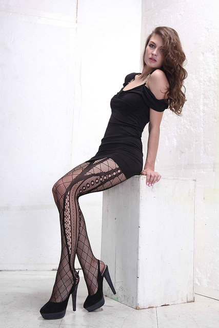 Very sexy women wearing fishnet stocking pics