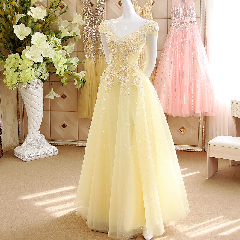 Robe de soiree light yellow prom dresses 2017 long for Can a yellowed wedding dress be whitened