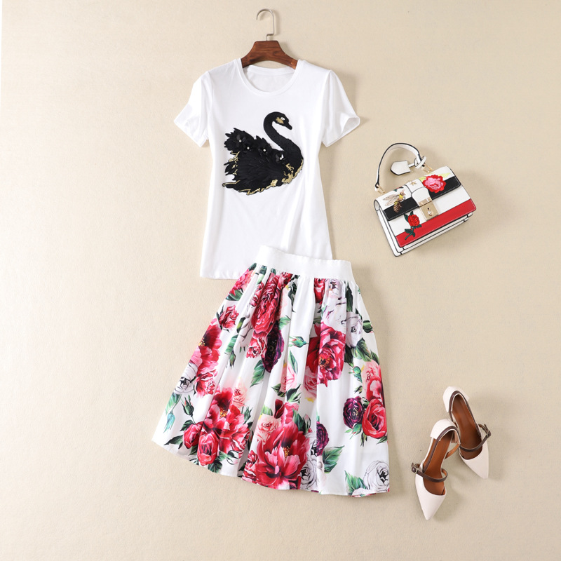 European and American women's fashion 2019 spring new style Swan embroidered T-shirt short sleeves Peony printed skirt suit