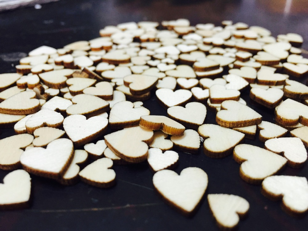 100pcs/ wooden heart shape/ different size /home decoration/children gifts/DIY/Lovely/