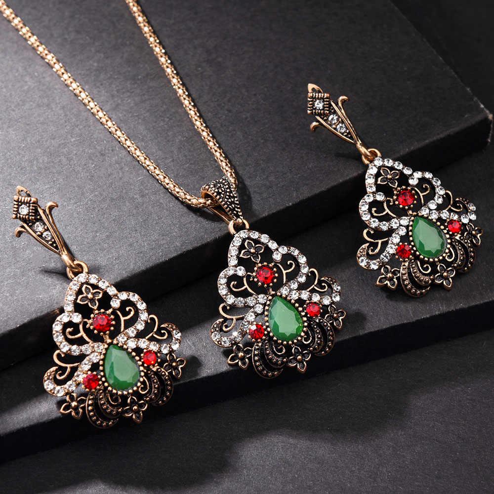 Antique or couvercle vert résine femmes collier boucles d'oreilles ensemble Bijoux sculpté fleur Bijoux ensembles Bijoux cadeau de noël