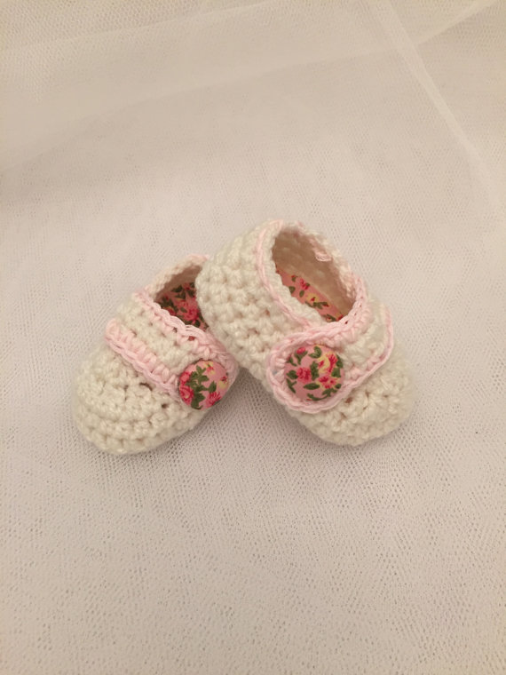 vintage rose crochet baby mary jane booties cream pink shoes hand ...