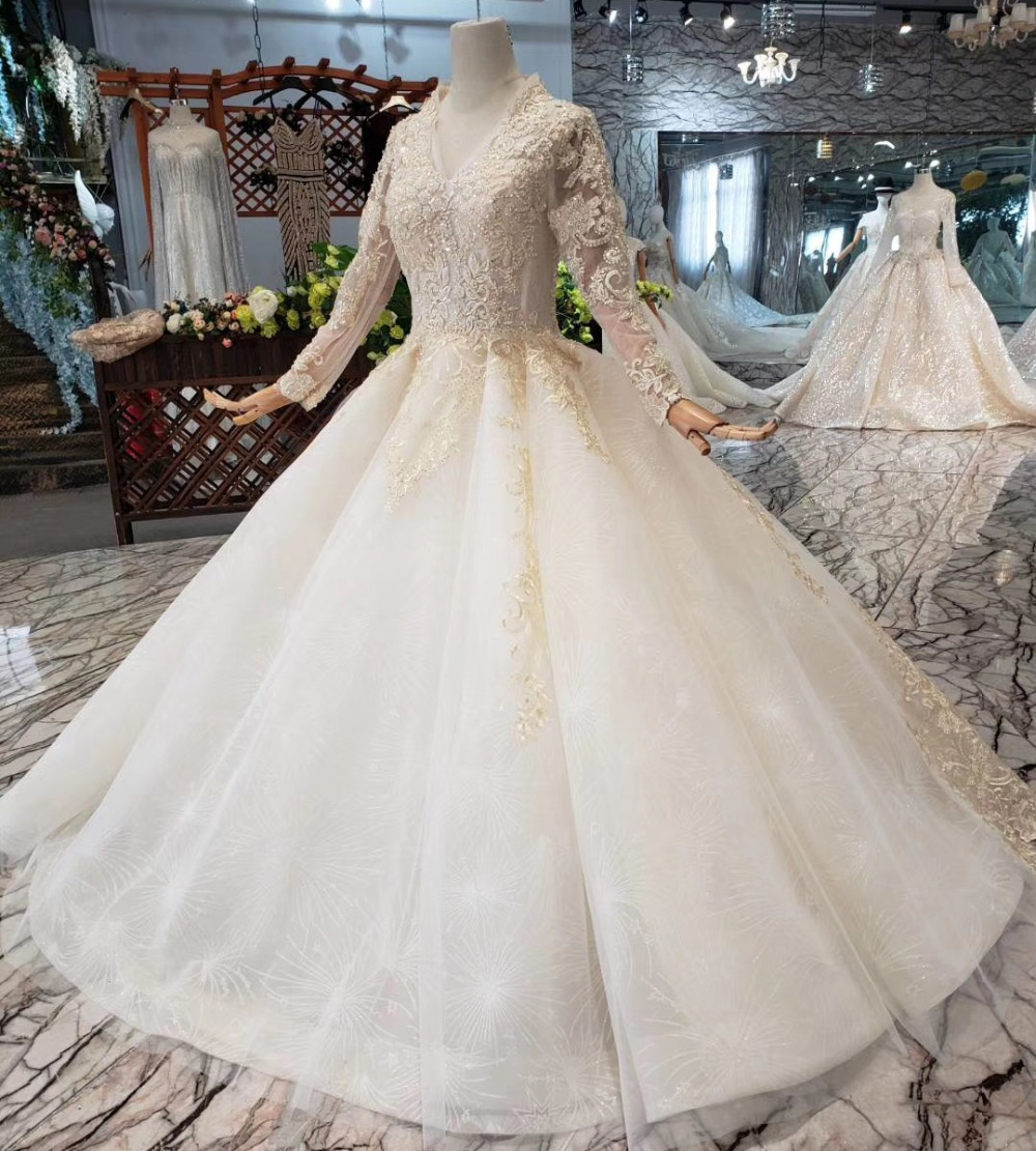 2019 New Vintage Wedding Gowns Long Sleeve Lace Bridal Wedding Dress Ball Gown V Neck Backless Bride Dress vestido de noiva