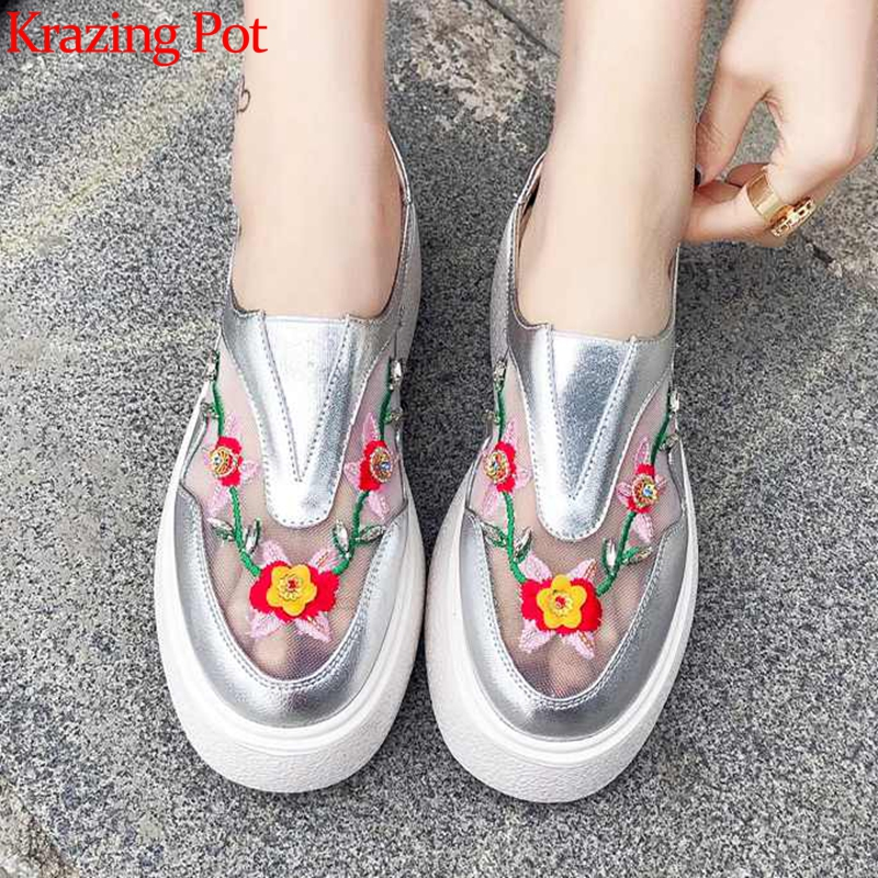 Krazing Pot air mesh genuine leather round toe summer slip on vintage crystal flowers sneakers embroidery vulcanized shoes L20Krazing Pot air mesh genuine leather round toe summer slip on vintage crystal flowers sneakers embroidery vulcanized shoes L20