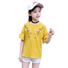 Summer new girl trumpet sleeve short loose casual student wild half embroidery flower strips shoulder T-shirt 3-12