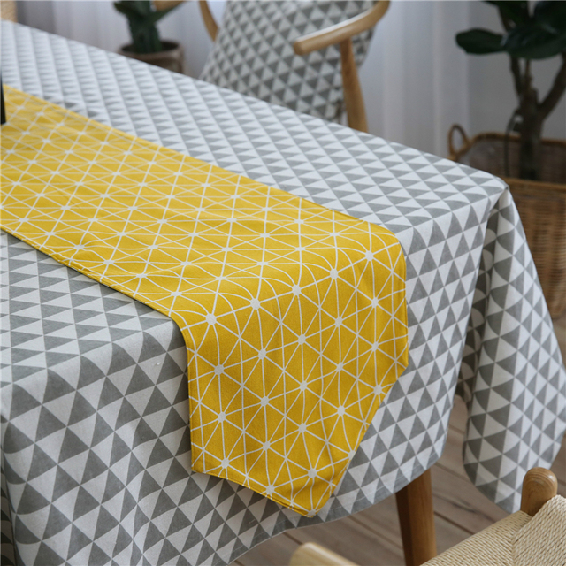 chemin de table moderne jaune treillis nappe de mariage accessoires d coration rustique table. Black Bedroom Furniture Sets. Home Design Ideas