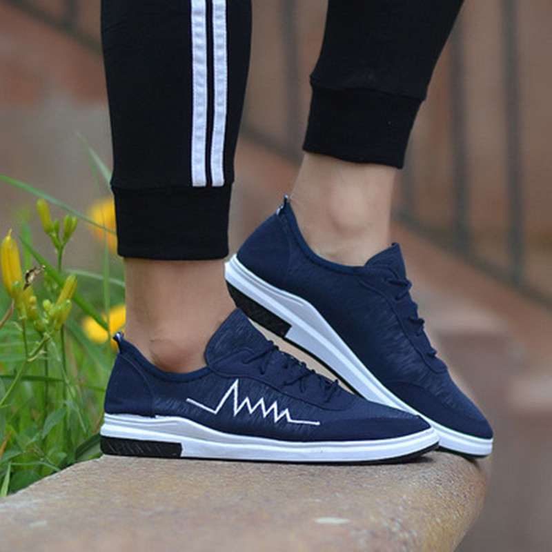 Summer 2018 men shoes breathable light sneakers travel casual lightning shoes tenis Slip on Men Lace-up shoes