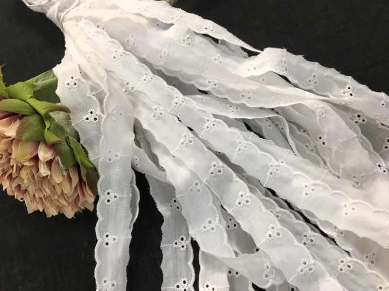 FAI DA TE cucito a mano tessuto di cotone del merletto galleggiante di cotone bianco del merletto del ricamo 2 CENTIMETRI