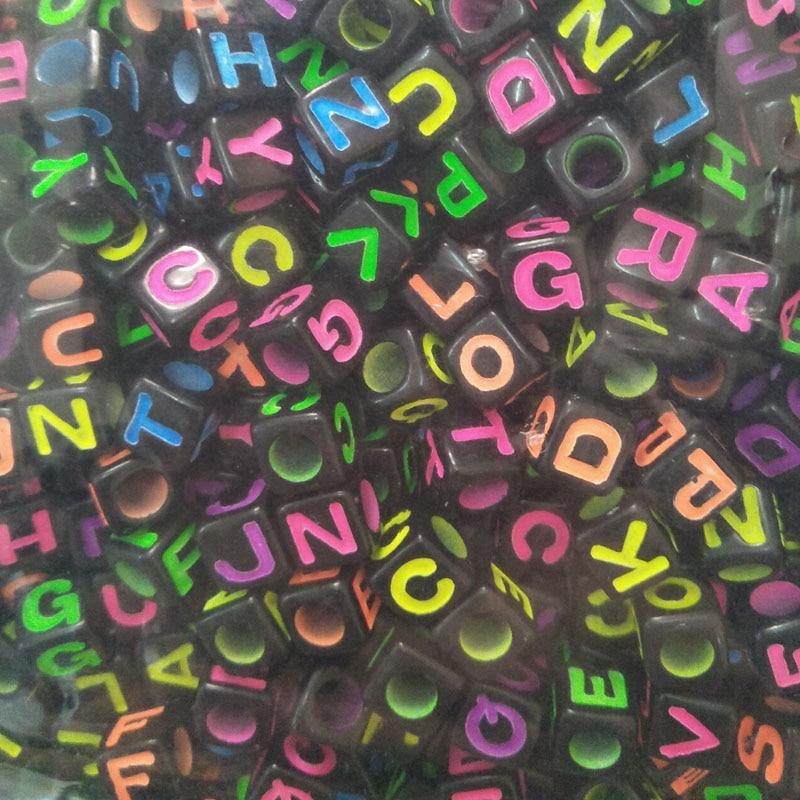 100PCS DIY 6X6mm 7X7mm 26 Letter Black Alphabet//Letter Acrylic Cube Beads Choose
