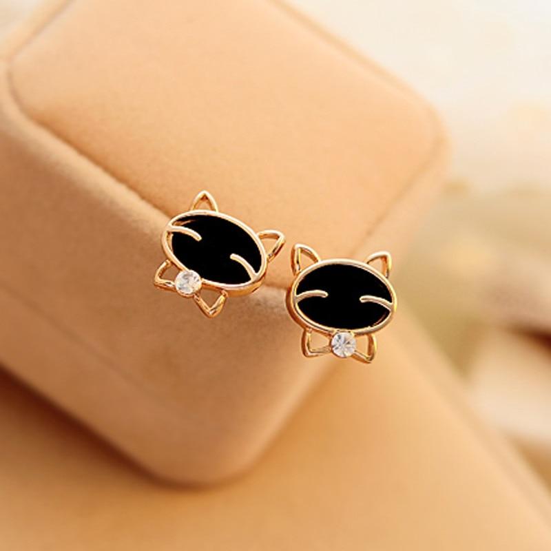 black-smiling-cat-design-stud-earrings-3