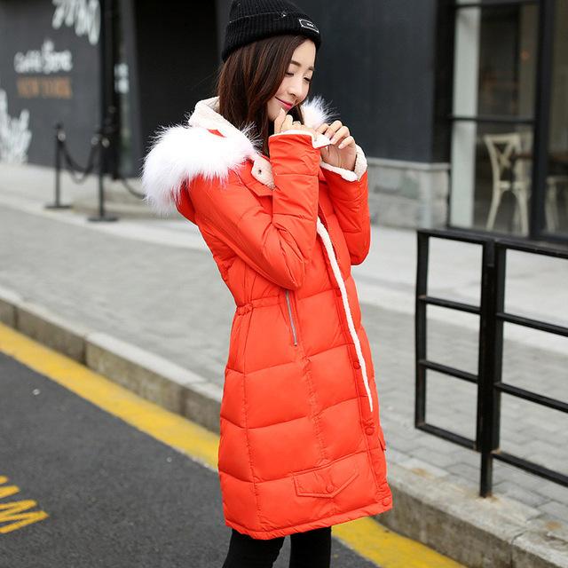 2017 recién llegado de invierno de las mujeres abajo chaquetas 4 colores de manga larga da vuelta-abajo cuello de piel con capucha chaquetas de moda cozy abrigos de invierno