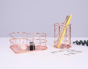 Image 3 - Panier de rangement en fer forgé doré