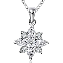 Lureme Fashion Elegant Style Silver Plated Jewelry Flower with Zircon Pendant Necklace for Women (01003651)