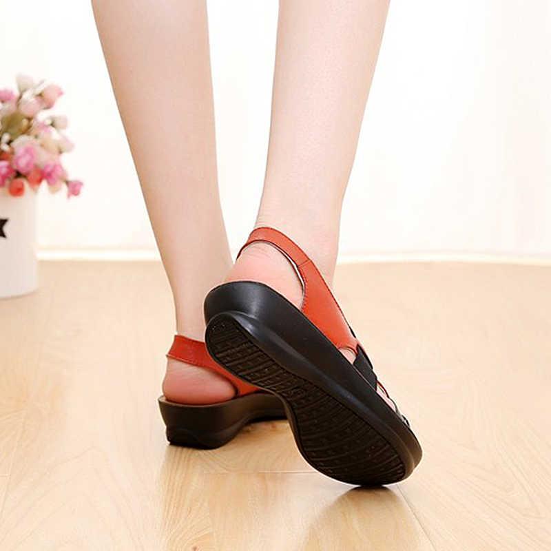 Классические Кожаные женские сандалии; сандалии для мам с мягкой подошвой; Модные женские сандалии с открытым носком; коллекция 2019 года; летние плоские сандалии женские туфли