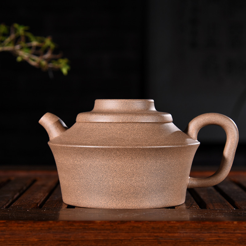 250ml Genuine Yixing Zisha Tea Pot Famous Handmade Raw Ore Green Gray Mud Xubian Teapot Kung Fu Tea Kettle Free Shipping250ml Genuine Yixing Zisha Tea Pot Famous Handmade Raw Ore Green Gray Mud Xubian Teapot Kung Fu Tea Kettle Free Shipping