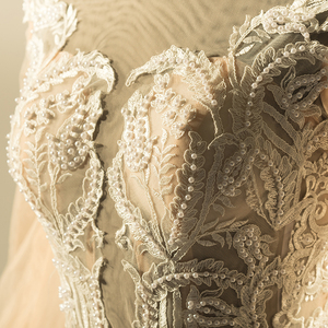 Image 4 - فساتين زفاف دانتيل بتصميم جديد 2019 برقبة دائرية فساتين زفاف عروس مثيرة للشمبانيا ملابس زفاف صينية للتسوق عبر الإنترنت MTOB1813