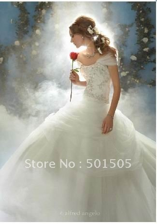 2011 Fairy Tale Stunning train Tulle Embroidery Beaded Wedding Dress