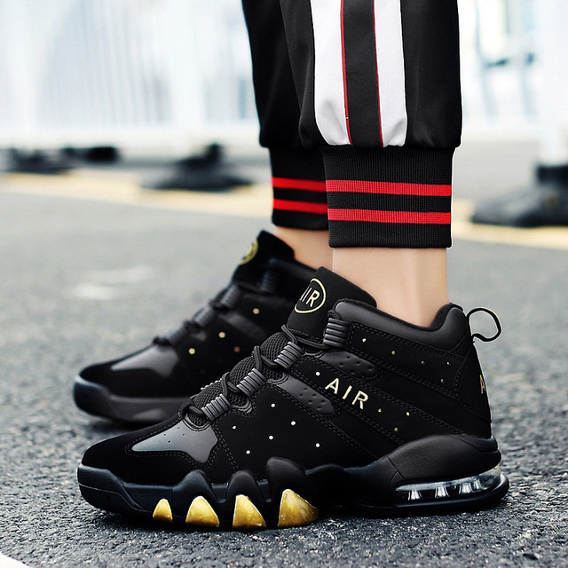 Basketball Shoes Men High top Sports Cushioning Basketball Sneakers Athletic Mens Shoes Comfortable Breathable Retro Sneakers