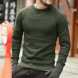 Image 4 - Homens hoodies do velo de espessamento sólida Metrosexual homens marca inverno camisola nova chegada fino de algodão casual o pescoço da moda F0011